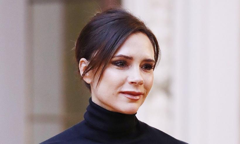 Victoria Beckham debiutuje w domu, aby uczcić dekadę mody