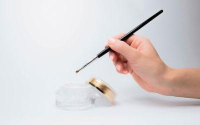 Żel vs. Shellac vs. Acrylic: jak wybrać następny manicure?