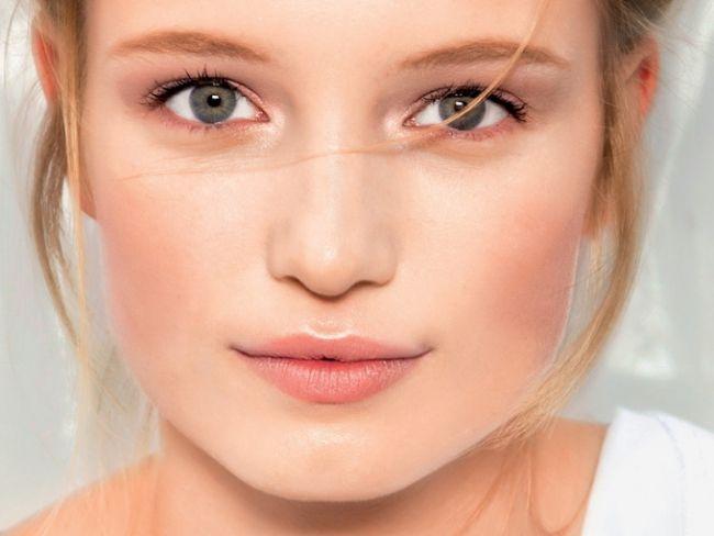 Jak dobrać rozświetlacz na podstawie odcienia skóry