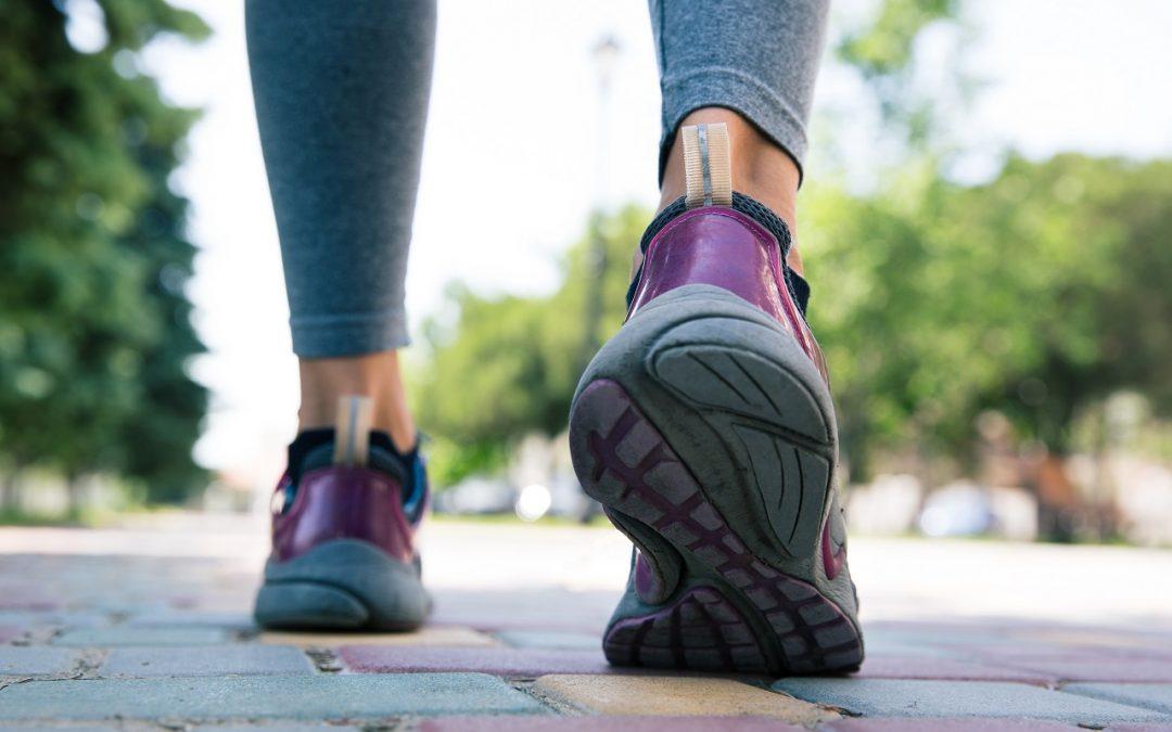 Chodzenie to przepis na zdrowie – ile powinniśmy dziennie chodzić?